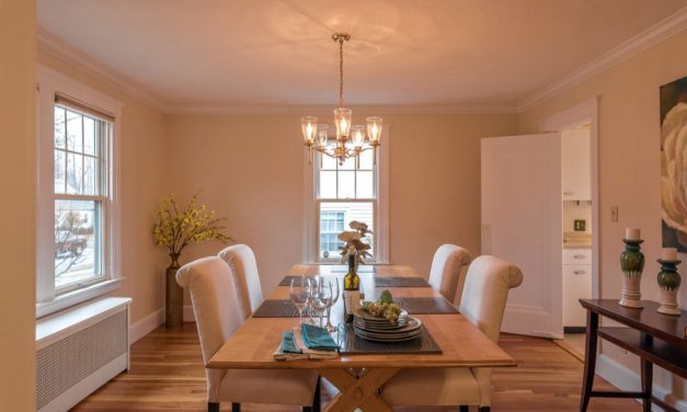 Easy, Breezy: The key to successful home staging? Keep it freshand simple.